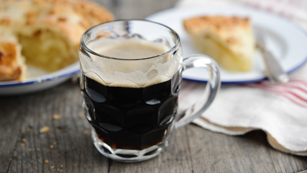 Stout goes well with apple pie