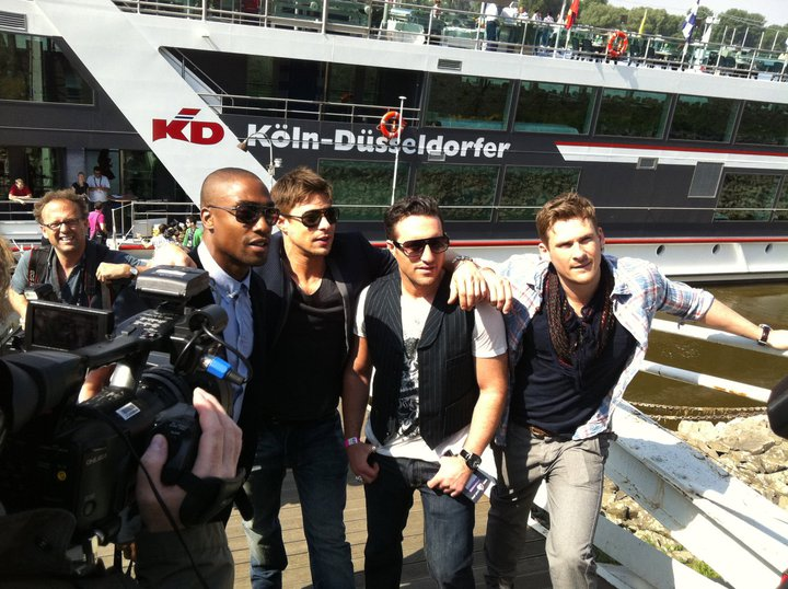 Blue on boat tour for Eurovision 2011