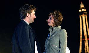 David Tennant as DI Peter Carlisle and Sarah Parish as Natalie Holden