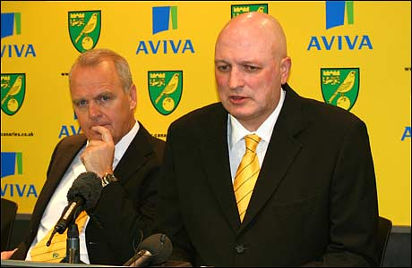 John Deehan and Bryan Gunn at the Norwich City press conference