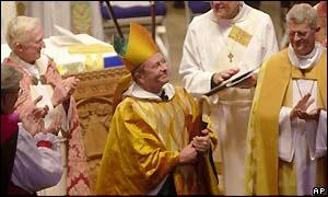 Ο Αγγλικανός ομοφυλόφιλος επίσκοπος Τζιν Ρόμπινσον