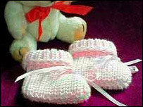 Premature Baby Booties Knitting Pattern : BBC - Stoke & Staffordshire - Your Community - Favourite tiny baby booties