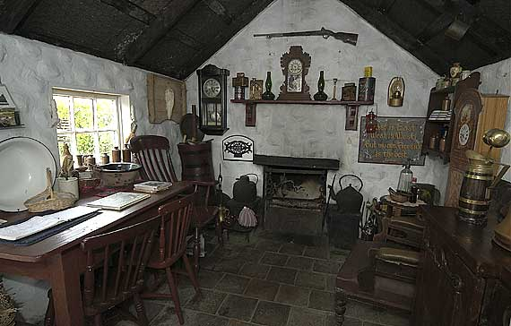The Interior Of Jamies Cottage Built By Tom Graham Exactly As Might