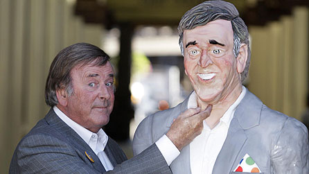 Sir Terry Wogan and Jane Asher's cake