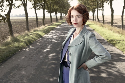 Anna Maxwell Martin as Sarah Burton in South Riding