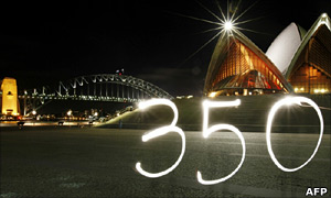 Time lapse photo of 350 logo outside Sydney Opera House