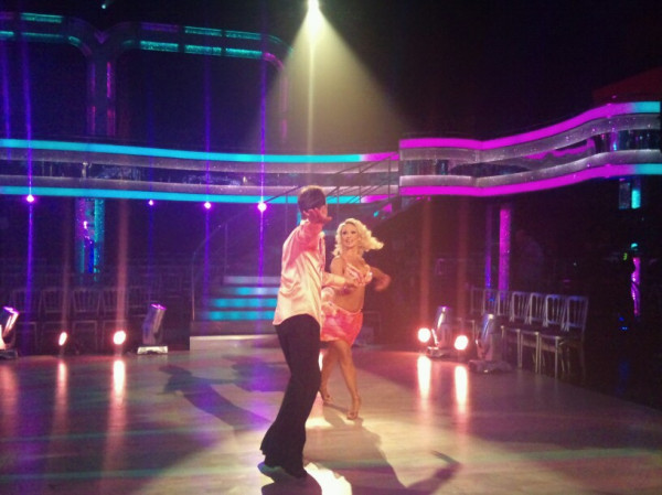 Jason and Kristina dance to Michael Jackson, if he's out don't blame it on the boogie!