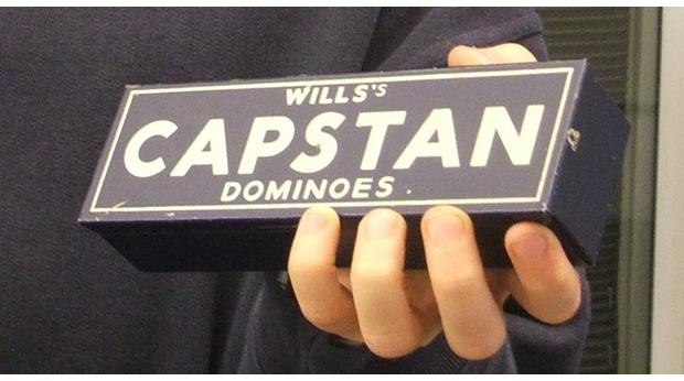 Charlie's Capstan Dominoes Set