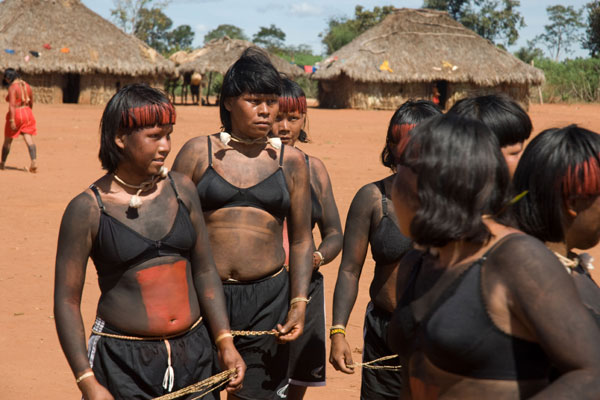 600_xavante_tribe_women.jpg