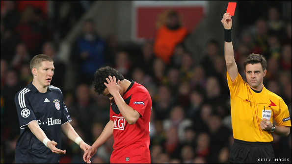 Rafael is sent off at Old Trafford