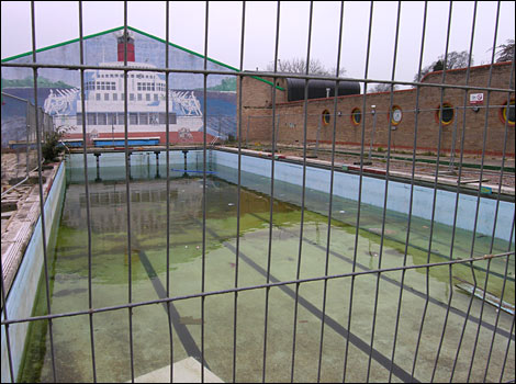 Highworth Outdoor Pool