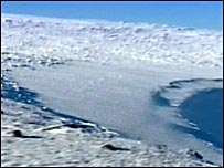 Ice fields and glaciers