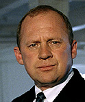 Peter Firth (Harry Pearce)