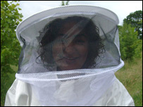 BBC Leicester's Rupal Rajani takes on bee keeping