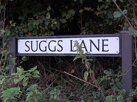 Street sign for Suggs Lane, Broadway