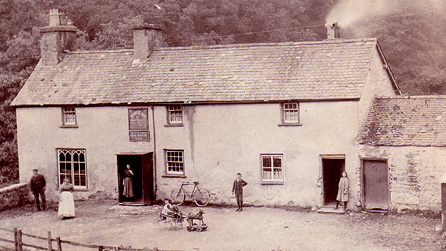 Hen lun o dafarn y Bridge Inn, Bontuchel