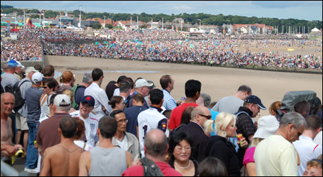 Crowds at the airshow