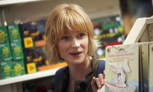 Mum (Claire Skinner) in Outnumbered