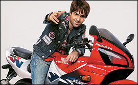 Emraan Hashmi In Good Boy Bad Boy