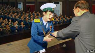 朝鮮女交警神秘獲封「共和國英雄」