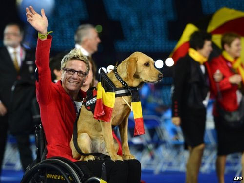Member of the Belgium team with assistance dog