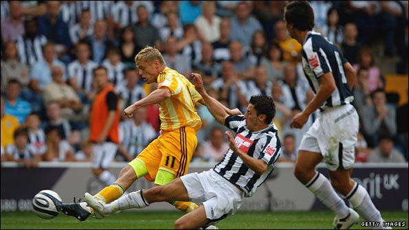 Damian Duff equalises for Newcastle