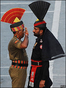 Indian and Pakistani soldier at a ceremony at the Wagah border