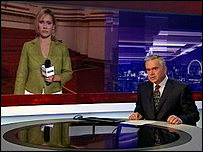 Huw Edwards and Sophie Raworth during Sunday's 'newsflash'