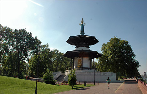 BBC - London - Places - Peace in the park