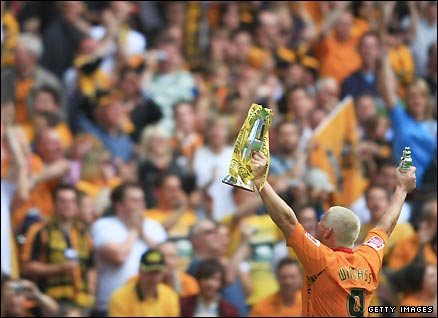 Dean Windass celebrates Hull's promotion to the Premier League