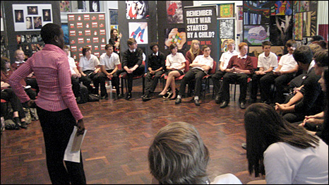 Juliet talks to school children in London about her experiences. [picture: War Child UK]