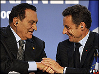 French President Nicolas Sarkozy (right) with Egypt's President and summit co-chairman Hosni Mubarak