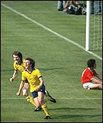 Alan Sunderland scores Arsenal's winner