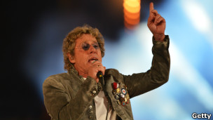 Roger Daltrey of the band the Who performing at the closing ceremony