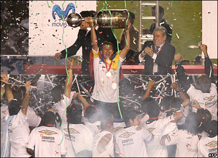 Liga de Quito win the 2008 Copa Libertadores