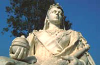 Photograph showing a statue of Queen Victoria