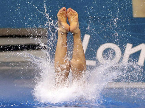 China's Cao Yuan and Zhang Yanquan win gold in the diving final