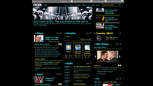 BBC Homepage viewed through a MyDisplay hi-viz theme