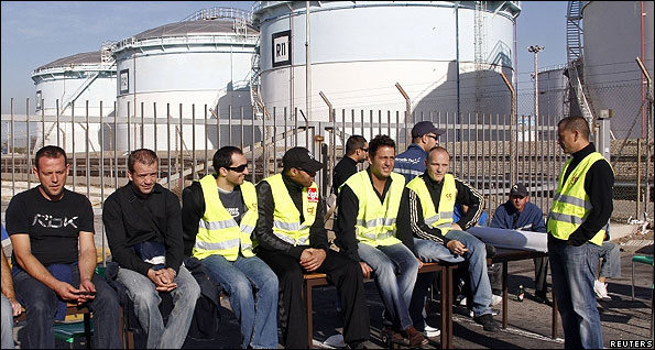 French port workers strike