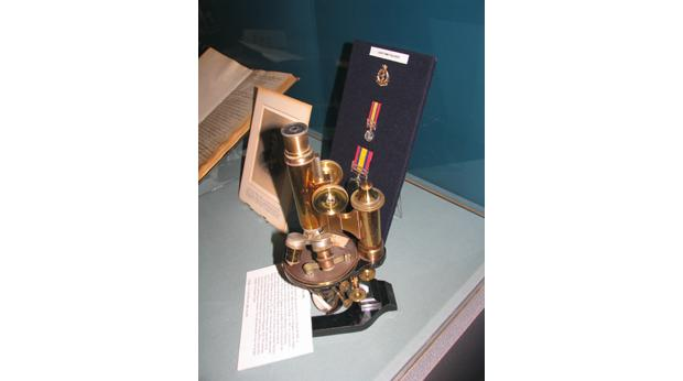 Lieutenant Tulloch's (RAMC) microscope: Trustee's of The Army Medical Services Museum
