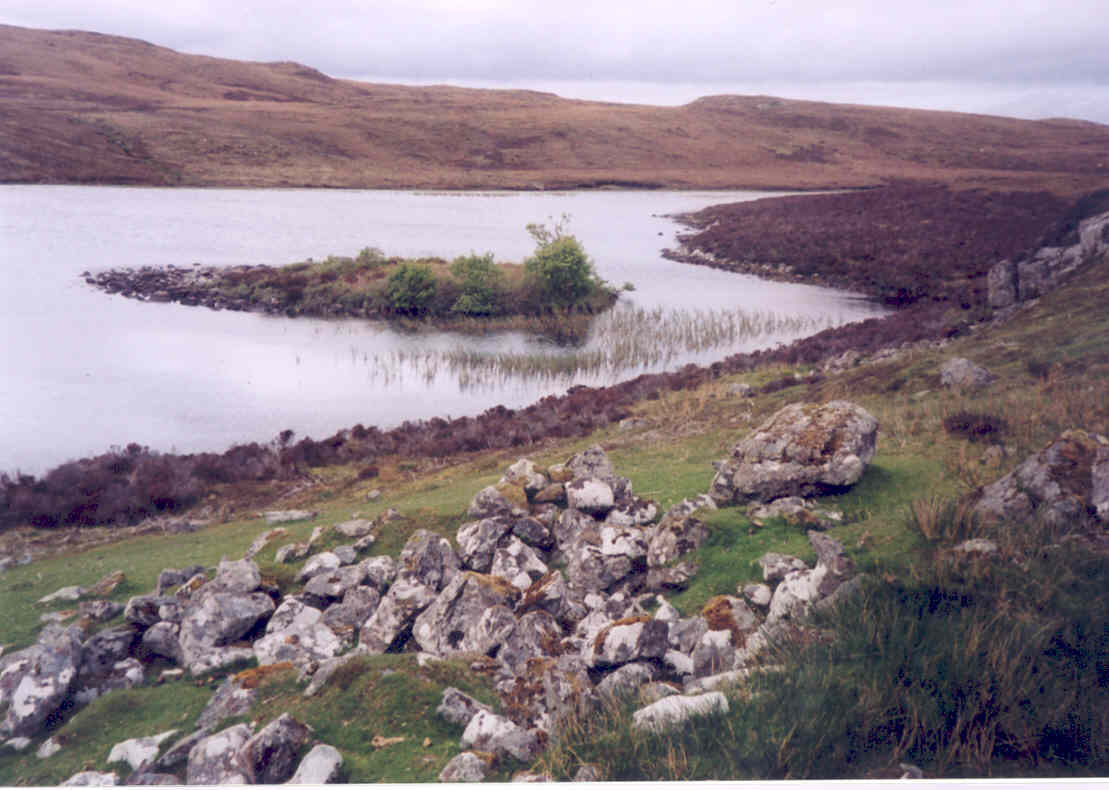 The ruins of Eastaper on the shores of the loch, just north of Laxay (Lochs)