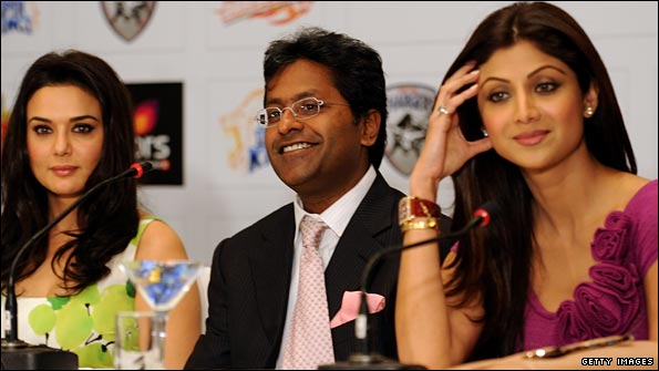 Lalit Modi is flanked by Bollywood actress and Kings XI Punjab cricket team co-owner Priety Zinta (left) and fellow actress and Rajasthan Royals co-owner Shilpa Shetty (right)