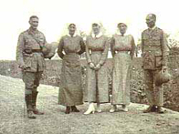 Photo of Australian nurses with British officers