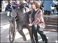 Barbara Asquith with her sculpture of Blind Jack