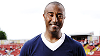 Live athletics from Delhi with Colin Jackson