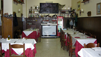 Interior of a typical pizzeria in Rome ,Italy. August 2007 © BBC