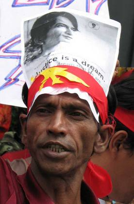 Burmese Protester outside the embassy.