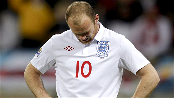 rooney_hanging_head595reute.jpg