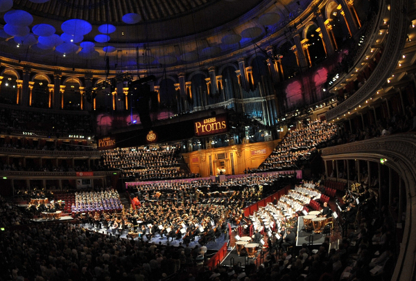 Photo of 1000 musicians performing Havergal Brian's Gothic Symphony