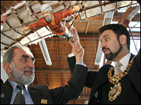 Professor Al-Hassani with Lord Mayor of Manchester